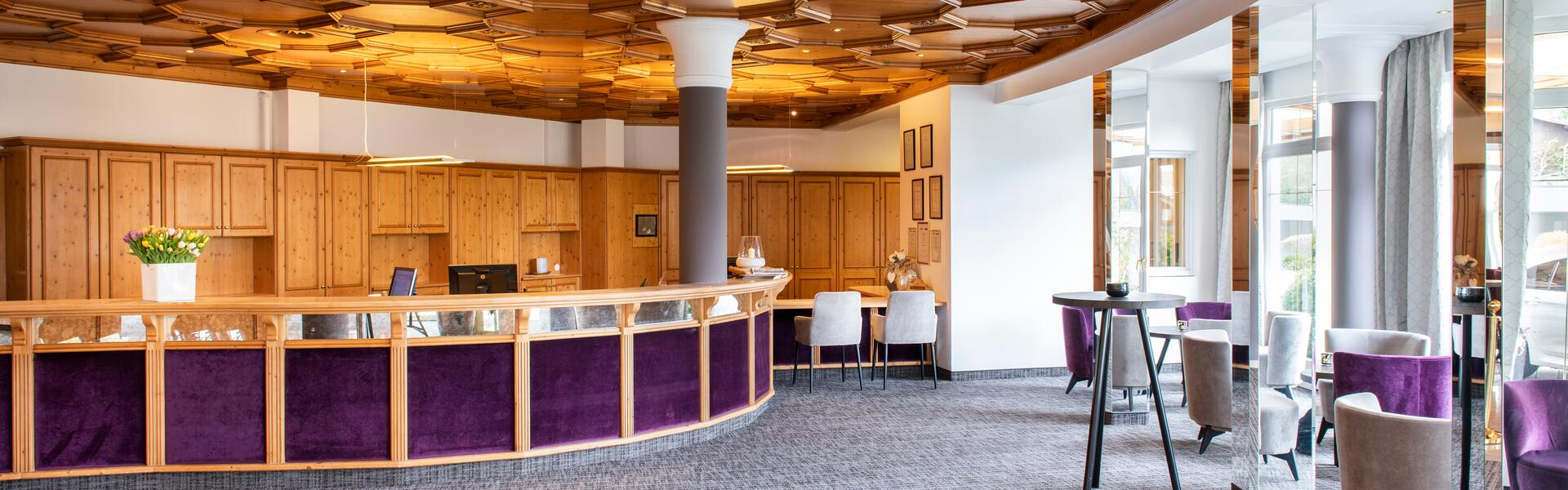 empfang hotel seehof walchsee